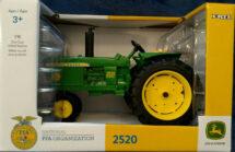1:16 John Deere 2520 Tractor FFA Organization