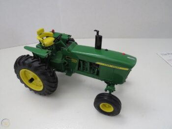 1:16 John Deere Power Shift 4020