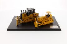 1:50 CAT D7C Track-Type Tractor & CAT D7E Electric drive track-Type Tractor