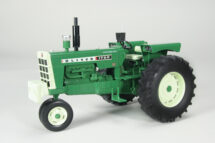 1:16 Oliver 1750 Gas Narrow Front Tractor