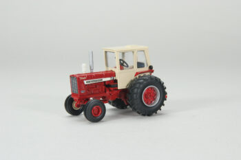 1:64 International 1256 High Detail With Cab